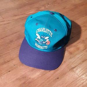 Vintage Charlotte Hornets hat.